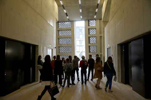 Glass houses: London's Tate Modern wins privacy fight