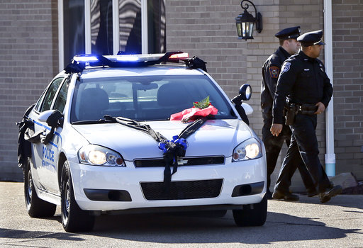 Thousands pay respects to officer slain during traffic stop
