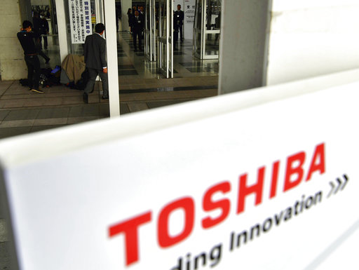 Toshiba, Western Digital make peace on sale of chip unit