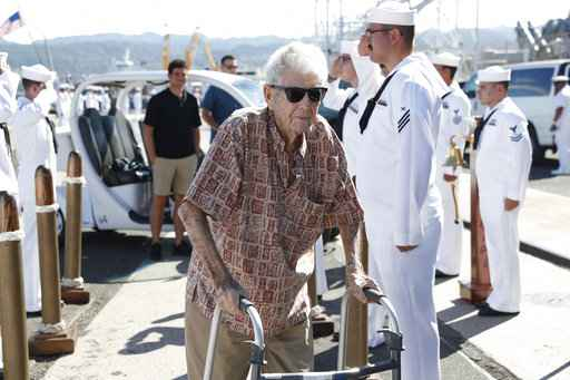 Pearl Harbor survivor says goodbye upon leaving Hawaii