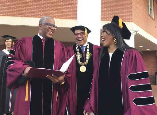 Speaker stuns 2019 Morehouse grads, to pay off student debt