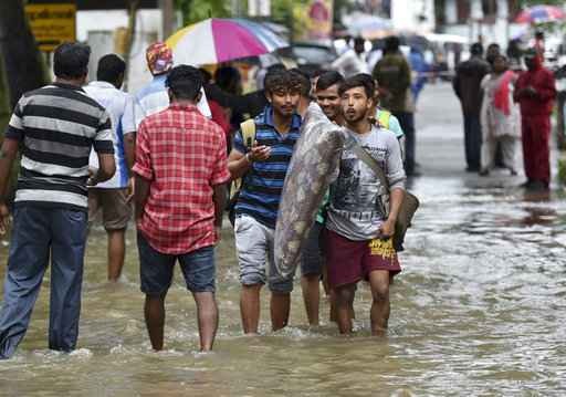 Heavy monsoon rains kill 67 in southern India, close airport