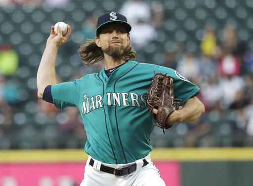 Mariners' Leake lose perfect game try in 9th, blanks Angels