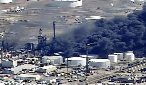 Authorities: Wisconsin refinery fire out, evacuation remains