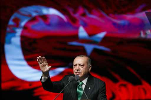 Turkey expects lower growth amid currency turmoil