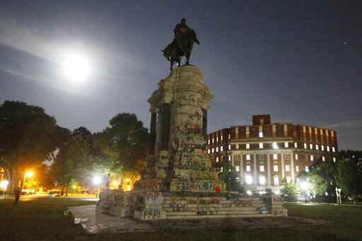 'A long time coming': Iconic Lee statue to be removed