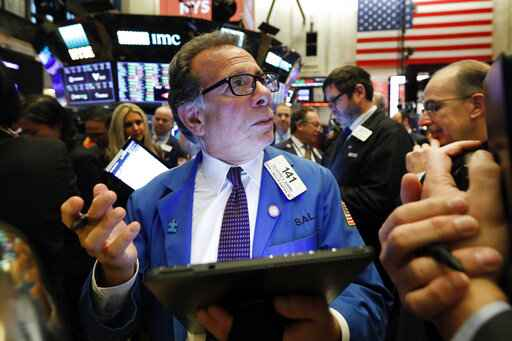 US stocks close higher amid data, earnings