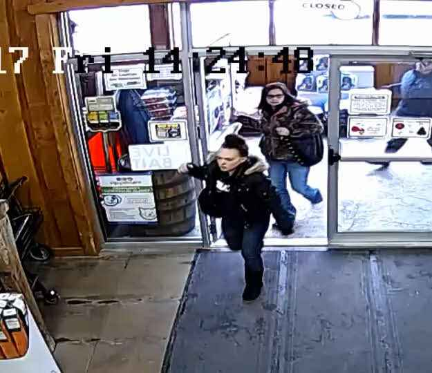 Police seeking 2 women accused of stealing from Henrietta pet supply store