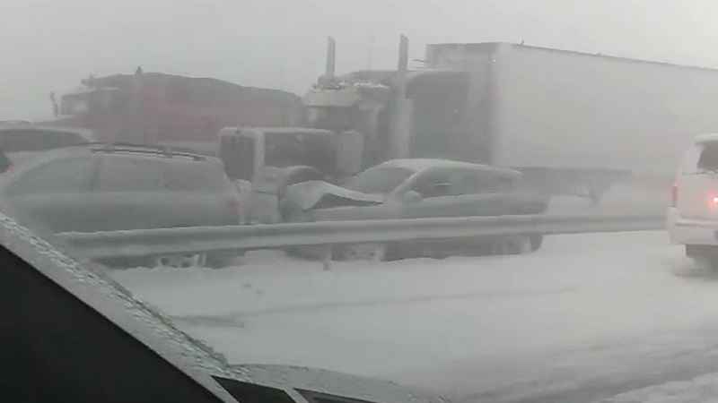 Dozens of vehicles pile up, shut down highway near Buffalo