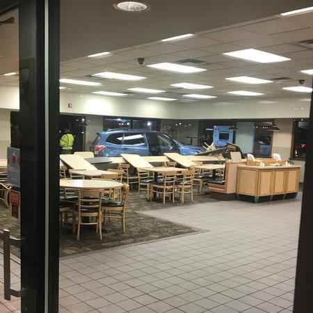 Vehicle crashes into Henrietta Wendy's on Winton Rd.