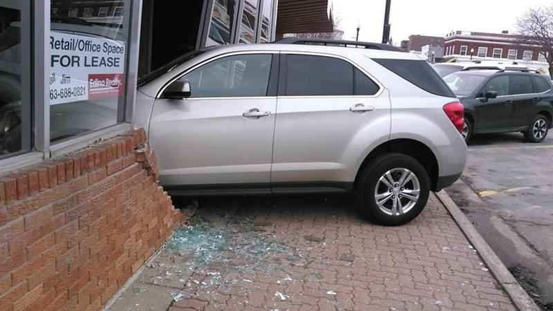 Minnesota teenager crashes into building during driving test