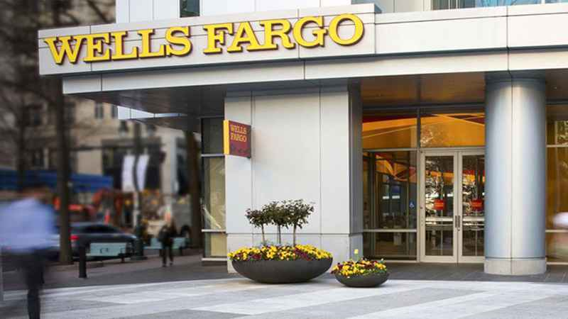 Smith Salley & Associates Maintains Stake in Wells Fargo Co New