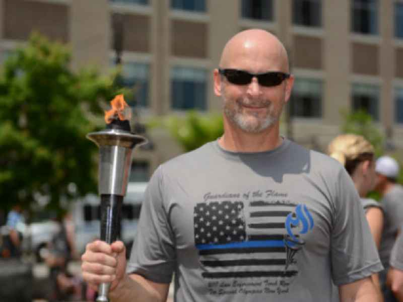 Rochester police sergeant to run 50 hours for Special Olympics