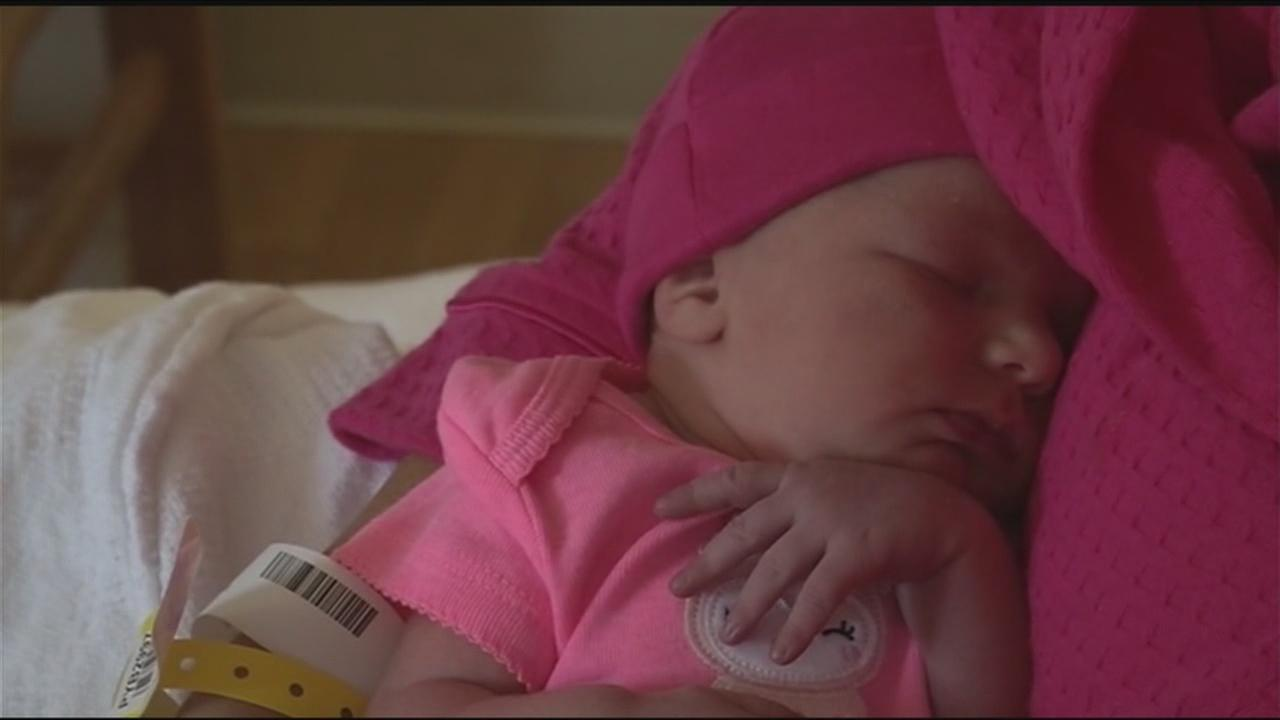Baby born on bathroom floor with help of 911 dispatcher