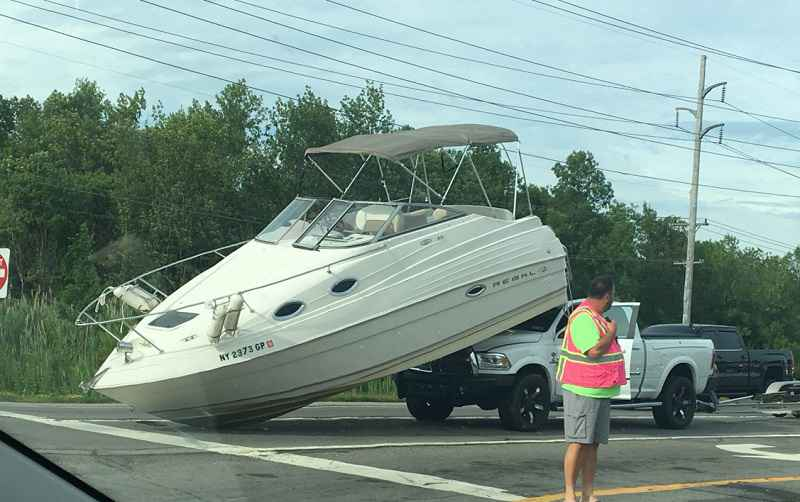 Town of Ontario boater shuts down traffic