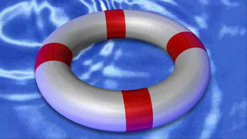 Deputies rescue father and daughter from Genesee River