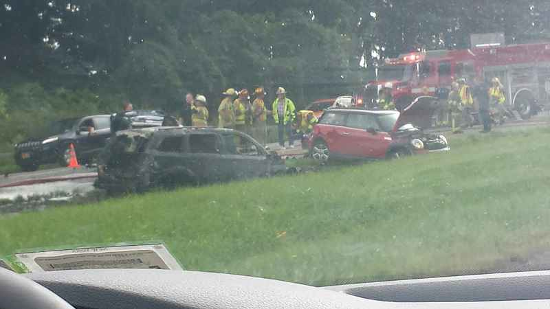 3-car crash near Geneva causes delays on Thruway | WHEC com