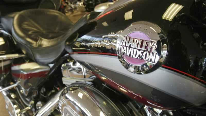 Trump backs boycott of Harley-Davidson in steel tariff dispute