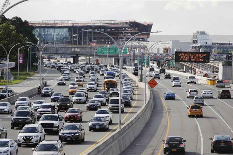 Trump proposes car-mileage rollback states sue in protest