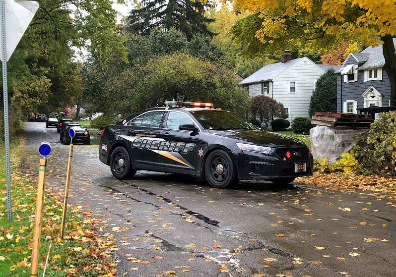 Deputies investigating murder on Collingsworth Drive in Penfield.