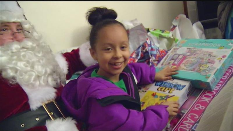Santa, firefighters join forces to bring early Christmas surprise to local girl