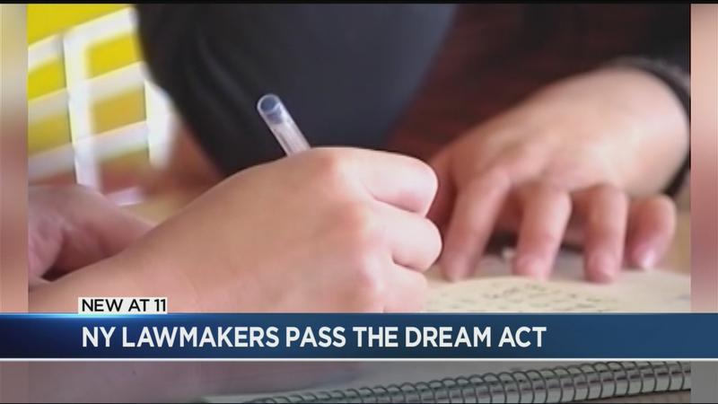 NY lawmakers pass state Dream Act
