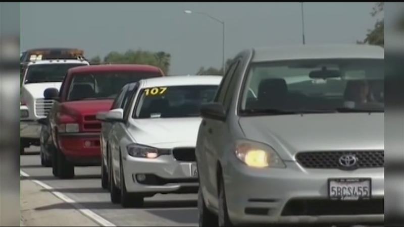 Undocumented immigrants push bill to get behind the wheel