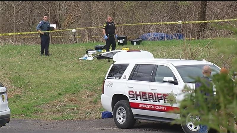 Deputies: Body found in Mt. Morris; could be missing manhunt suspect