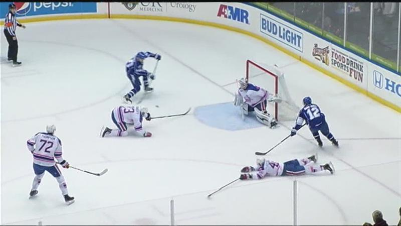 Crunch pull away for a 6-1 win over Amerks (highlights)