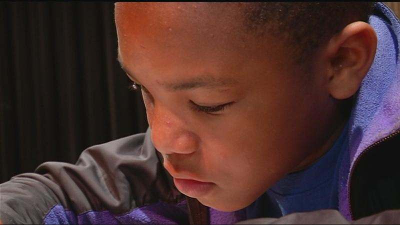 Do the Right Thing award winner: 7th grader saves mother's life by calling 911