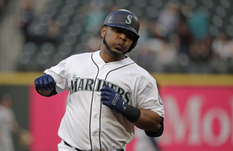 AP source: Yanks near deal to get Encarnación from Mariners