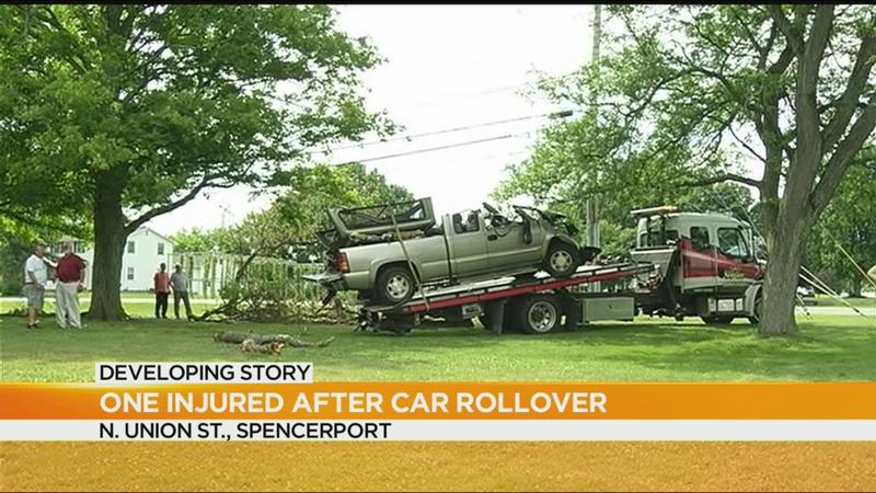 Man injured in rollover crash in Spencerport