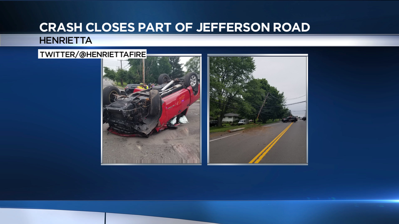 Crash closes part of Jefferson Road