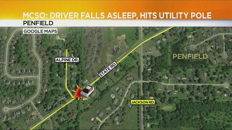 Deputies: Crash knocks out power in Penfield
