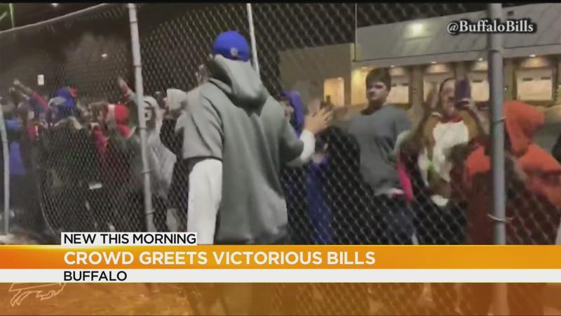 Bills fans greet team at the airport after win