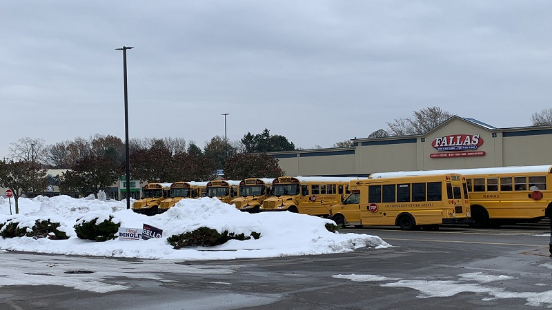 Students from Eastridge Senior High School were bussed away from the school on Friday while police searched the school.