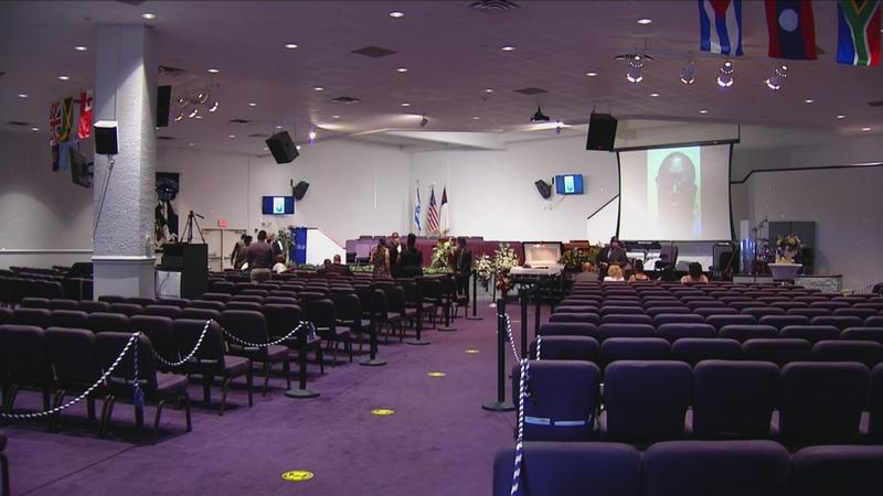 Community mourns David Gantt at public viewing