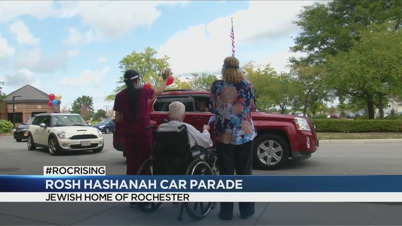 Jewish Home of Rochester holds Rosh Hashanah car parade