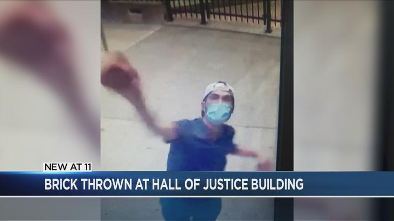 MCSO: Man breaks windows at Hall of Justice with brick