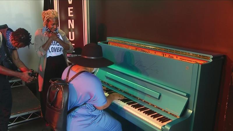 Piano used, signed by Alicia Keys donated to Rochester theater