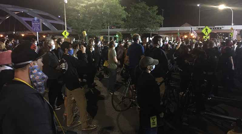 2 protesters charged for alleged attacks on police during Rochester demonstration