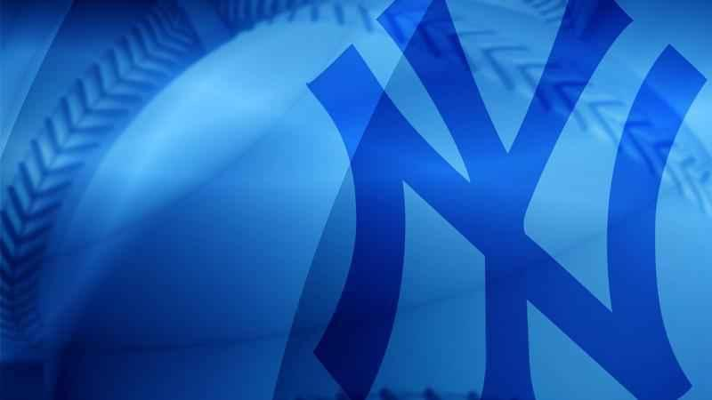 Gardner stays with Yankees